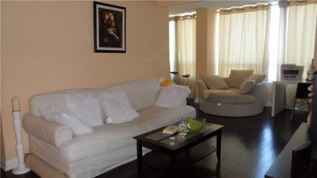 Condo Apartment at 120 Promenade Circ, Unit 1002, Vaughan, Ontario. Image 17