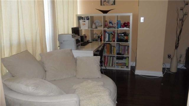Condo Apartment at 120 Promenade Circ, Unit 1002, Vaughan, Ontario. Image 19