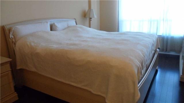 Condo Apartment at 120 Promenade Circ, Unit 1002, Vaughan, Ontario. Image 5