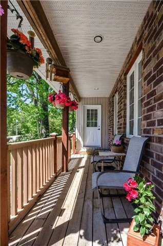 Detached at 706 10th Line, Innisfil, Ontario. Image 3