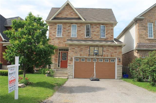 Detached at 566 Mcbean Ave, Newmarket, Ontario. Image 1
