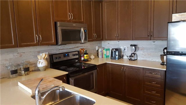 Condo Townhouse at 105 Kayla Cres, Unit #3, Vaughan, Ontario. Image 10