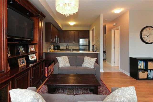 Condo Townhouse at 105 Kayla Cres, Unit #3, Vaughan, Ontario. Image 14