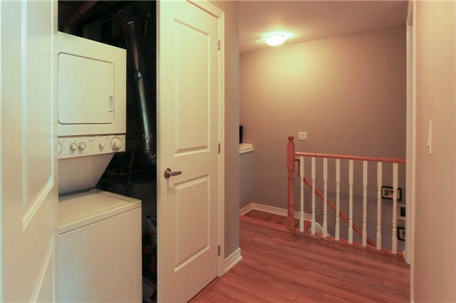 Condo Townhouse at 105 Kayla Cres, Unit #3, Vaughan, Ontario. Image 5