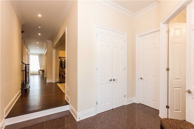Detached at 23 Cedarpoint Crt, Vaughan, Ontario. Image 15