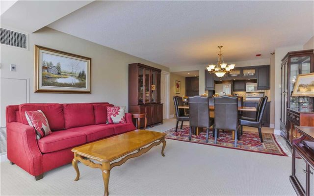Condo Apartment at 2 Raymerville Dr, Unit 307, Markham, Ontario. Image 17