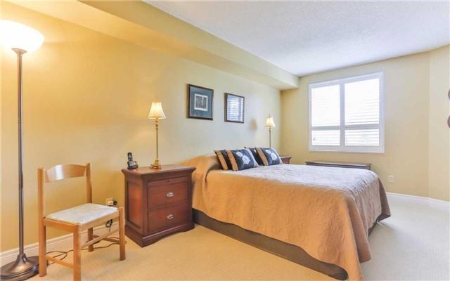 Condo Apartment at 2 Raymerville Dr, Unit 307, Markham, Ontario. Image 2