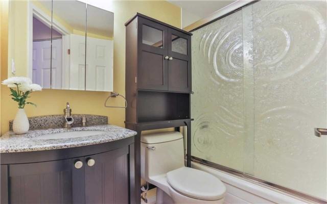 Condo Apartment at 2 Raymerville Dr, Unit 307, Markham, Ontario. Image 6