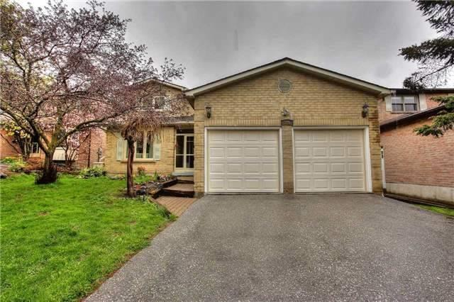 Detached at 326 Erin Tr, Newmarket, Ontario. Image 1