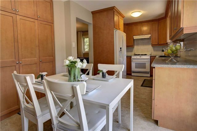 Detached at 326 Erin Tr, Newmarket, Ontario. Image 14