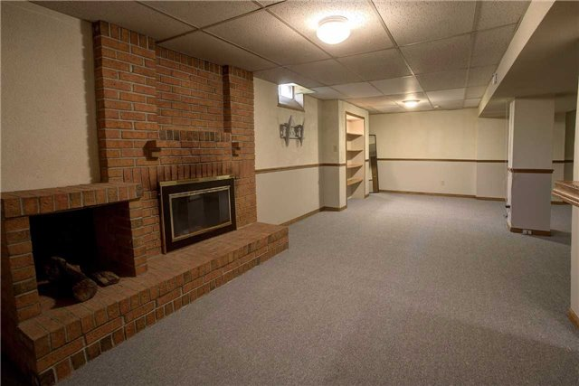 Detached at 326 Erin Tr, Newmarket, Ontario. Image 7