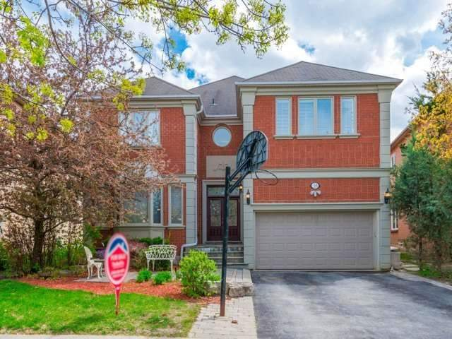 Detached at 33 Coldwater Crt E, Vaughan, Ontario. Image 1