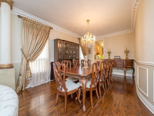 Detached at 33 Coldwater Crt E, Vaughan, Ontario. Image 16