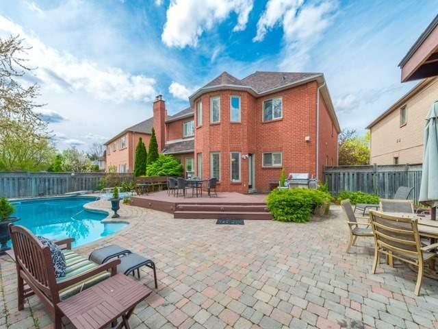 Detached at 33 Coldwater Crt E, Vaughan, Ontario. Image 13