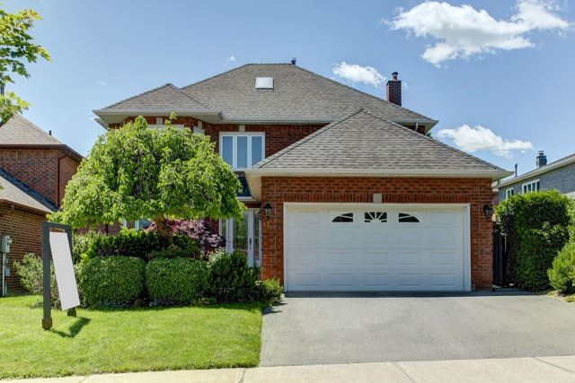 Detached at 1 Somerset Cres, Richmond Hill, Ontario. Image 1