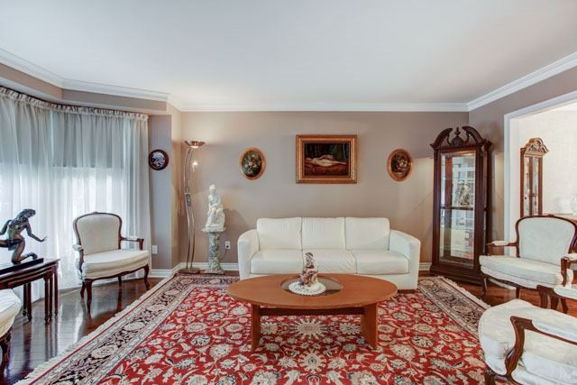 Detached at 1 Somerset Cres, Richmond Hill, Ontario. Image 12