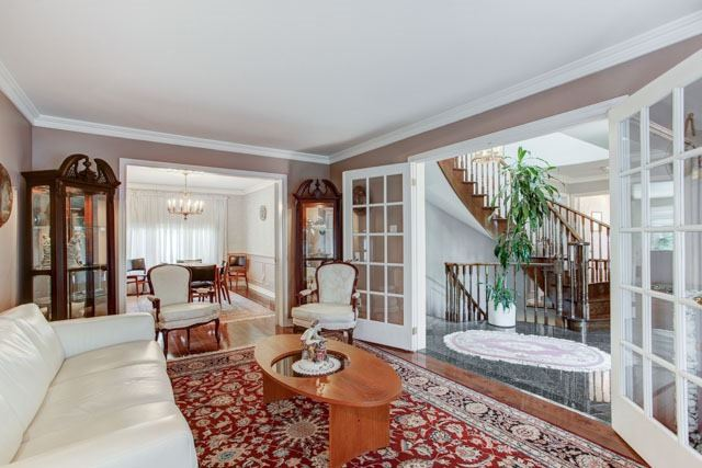 Detached at 1 Somerset Cres, Richmond Hill, Ontario. Image 14
