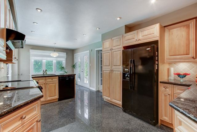 Detached at 1 Somerset Cres, Richmond Hill, Ontario. Image 16
