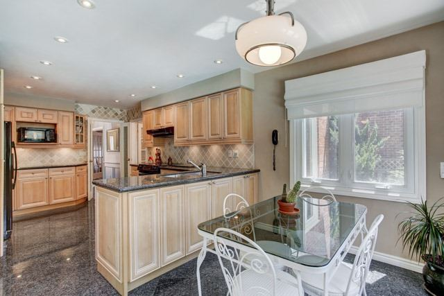 Detached at 1 Somerset Cres, Richmond Hill, Ontario. Image 17