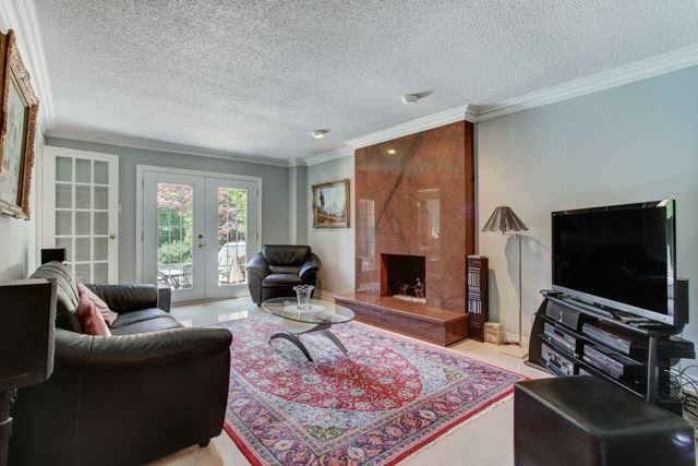 Detached at 1 Somerset Cres, Richmond Hill, Ontario. Image 18