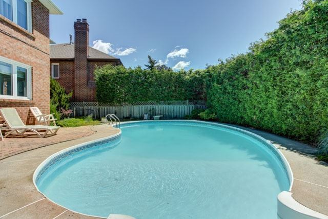 Detached at 1 Somerset Cres, Richmond Hill, Ontario. Image 10