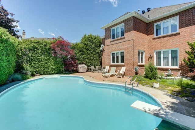 Detached at 1 Somerset Cres, Richmond Hill, Ontario. Image 11