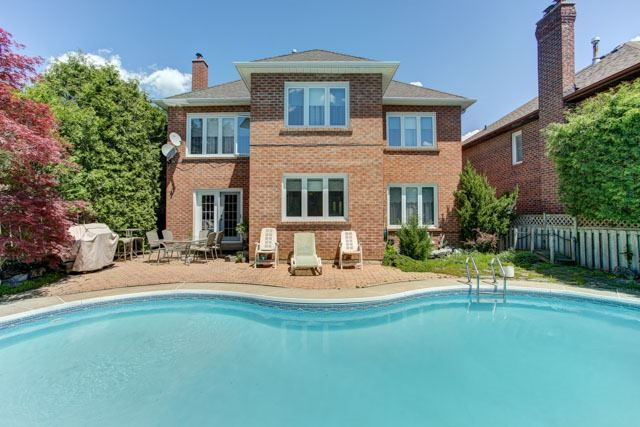 Detached at 1 Somerset Cres, Richmond Hill, Ontario. Image 13