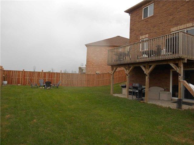 Detached at 1393 Kellough St, Innisfil, Ontario. Image 13