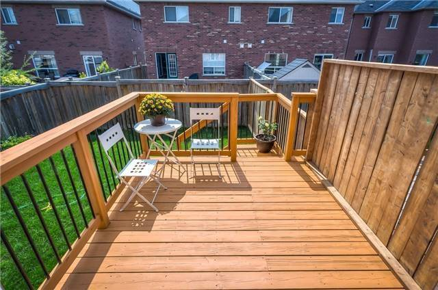 Townhouse at 156 Dovetail Dr, Richmond Hill, Ontario. Image 10