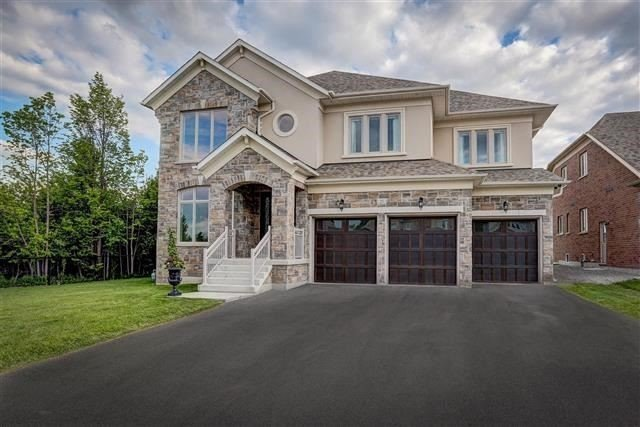 Detached at 25 Wedgeport Crt, King, Ontario. Image 1