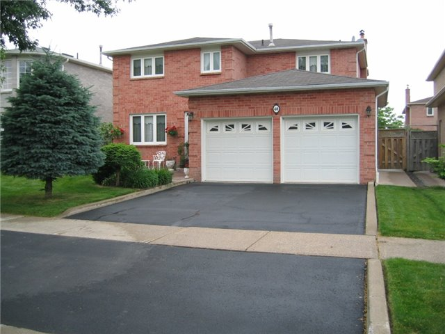 Detached at 48 Cooperage Cres, Richmond Hill, Ontario. Image 1