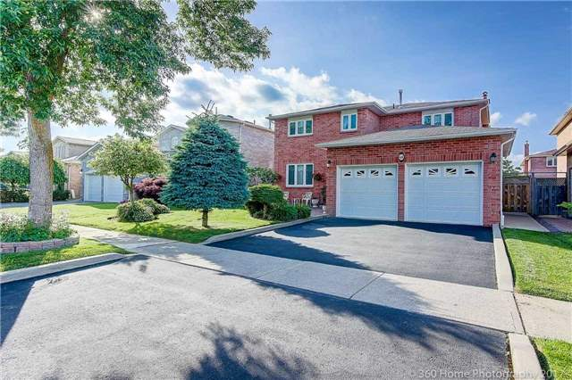 Detached at 48 Cooperage Cres, Richmond Hill, Ontario. Image 14