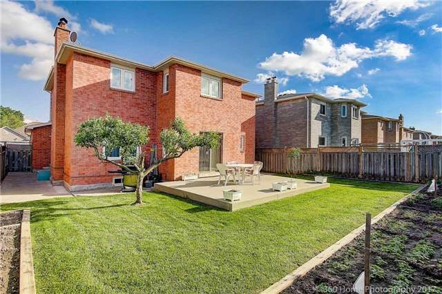 Detached at 48 Cooperage Cres, Richmond Hill, Ontario. Image 16