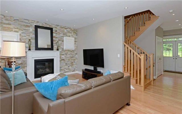 Detached at 519 William Forster Rd, Markham, Ontario. Image 14