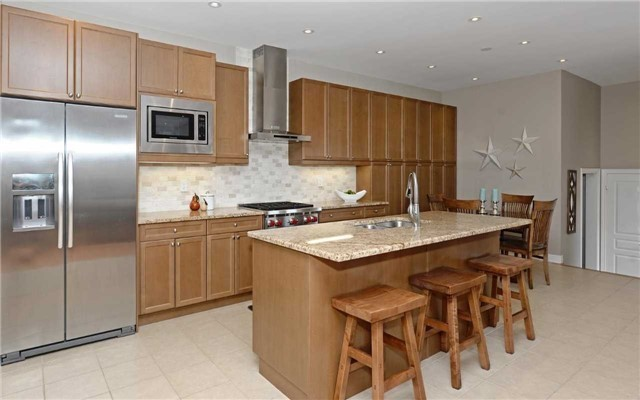 Detached at 519 William Forster Rd, Markham, Ontario. Image 20