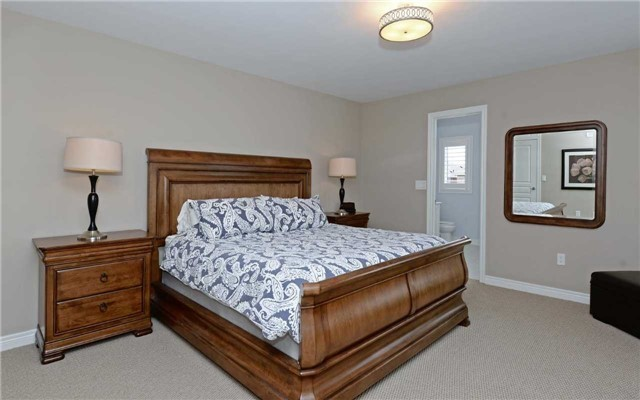 Detached at 519 William Forster Rd, Markham, Ontario. Image 4