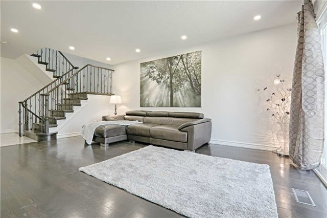 Link at 28 Fordcombe Cres, Markham, Ontario. Image 11