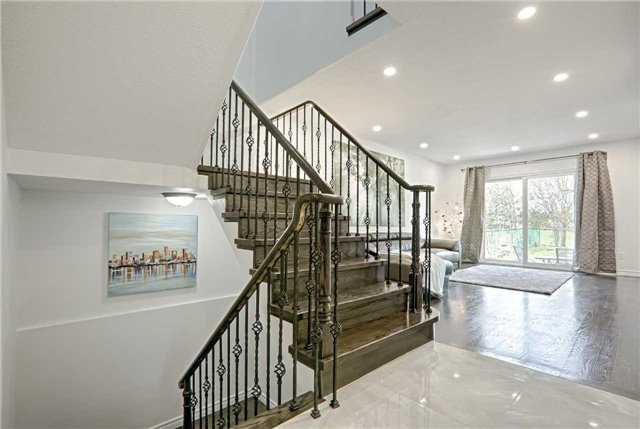 Link at 28 Fordcombe Cres, Markham, Ontario. Image 16