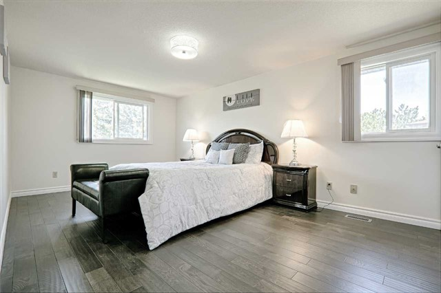 Link at 28 Fordcombe Cres, Markham, Ontario. Image 18