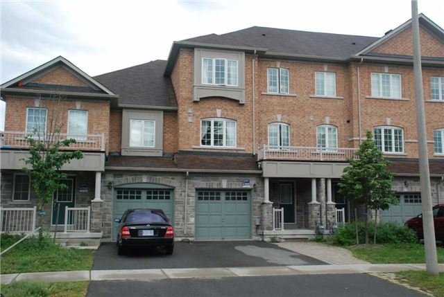 Townhouse at 217 Hawkview Blvd, Vaughan, Ontario. Image 1