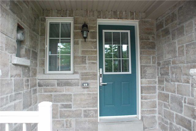 Townhouse at 217 Hawkview Blvd, Vaughan, Ontario. Image 8