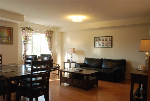 Townhouse at 217 Hawkview Blvd, Vaughan, Ontario. Image 10