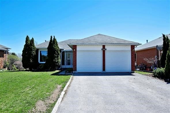 Detached at 1063 Westmount Ave, Innisfil, Ontario. Image 1