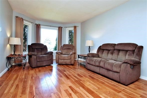 Detached at 1063 Westmount Ave, Innisfil, Ontario. Image 7