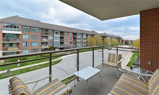 Condo Apartment at 55 The Boardwalk Way, Unit 307, Markham, Ontario. Image 18