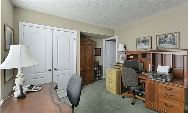 Condo Apartment at 55 The Boardwalk Way, Unit 307, Markham, Ontario. Image 11