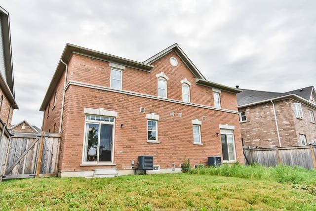Semi-detached at 63 Staglin Crt, Markham, Ontario. Image 13