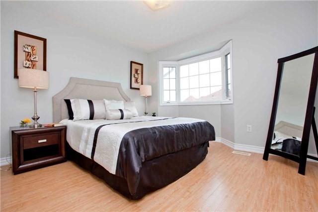 Detached at 20 Elmrill Rd, Markham, Ontario. Image 6