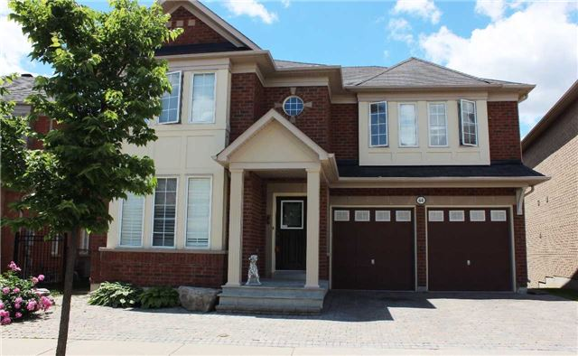 Detached at 64 Skywood Dr, Richmond Hill, Ontario. Image 1