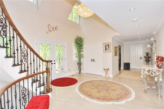 Detached at 70 High Oak Tr, Richmond Hill, Ontario. Image 13
